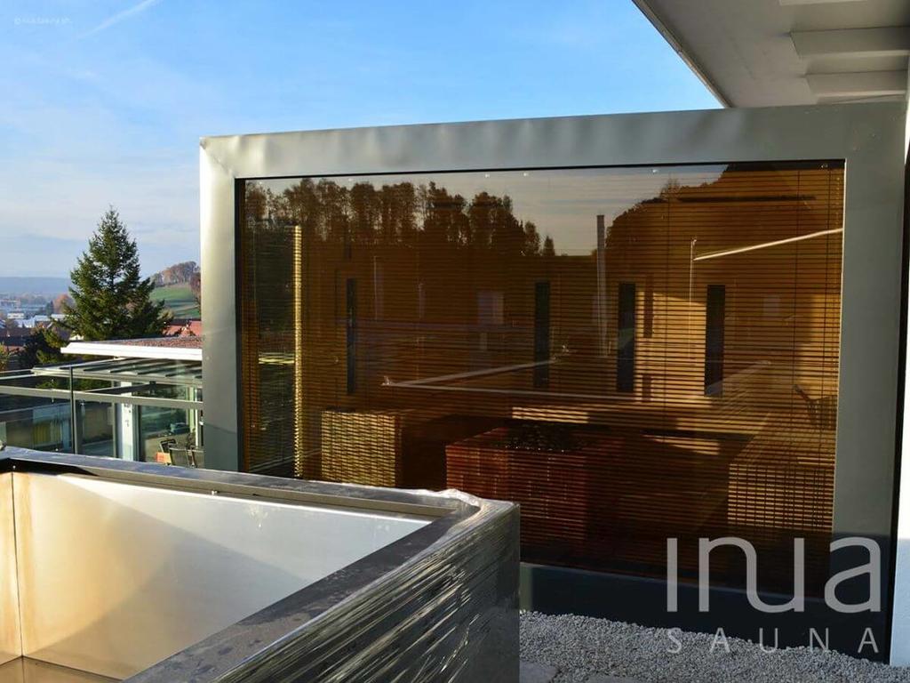 Panoráma üveges kültéri kombinált szauna bádogozott fronttal, és bádogozott tetővel! | Inua Szauna Kft.